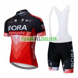 Equipación ciclismo BORA 2019